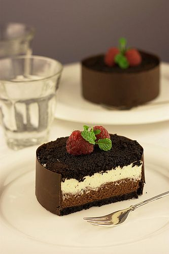 Mascarpone chocolate mini cake #dessert #sweets - could make these with cream cheese (I'm thinking).