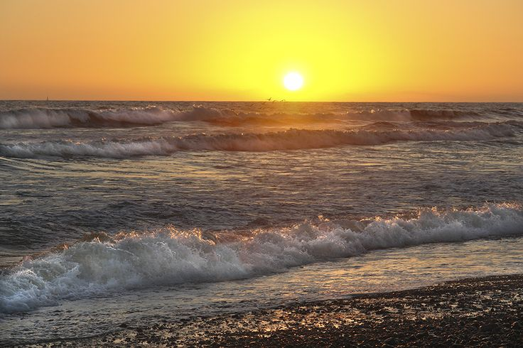 Déjate sorprender por Playa Ceuta, principal playa del municipio situada a 4 kilómetros de La Cruz de Elota.