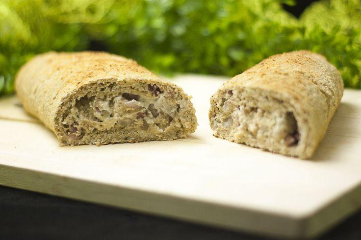 Einfach nur verdammt geil, das low carb Rahmbrot. Es verbindet eine der besten Sachen miteinander, Brot, Speck und geschmolzener Käse.