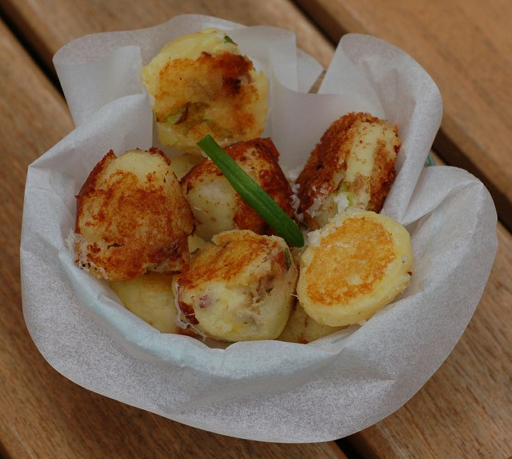 Cheesy Mash Potato Puffs made with leftover mashed potatoes