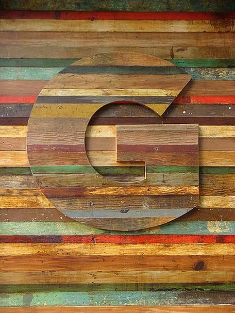 reclaimed wood wall & letter   Gee, I love this