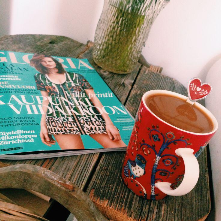 Morning #coffee and Gloria ☕️