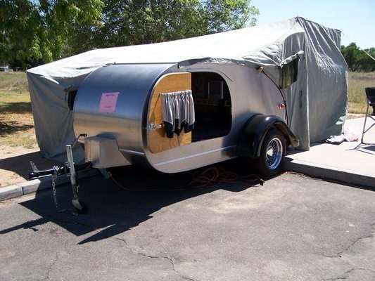 47 Teardrop With A Tent Attachment For Extra Room To