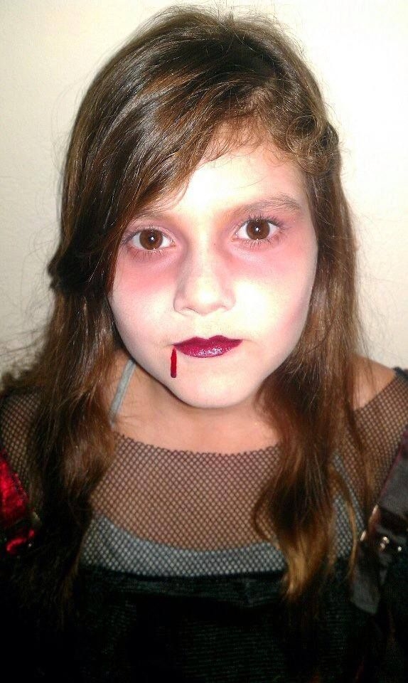 Ghoulish Girl #Halloween #makeup