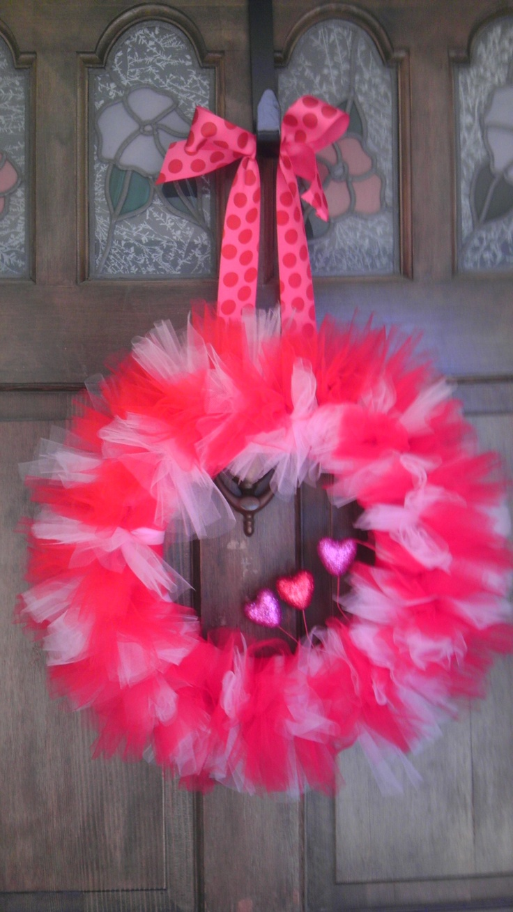 Valentine's Day tulle wreathValentine'S Day, Crafts Ideas, Feathers Boa, Diy Crafts, Valentine Day, Tulle Wreaths, Valentine Wreaths, Wreaths Ideas, Pink Wreaths