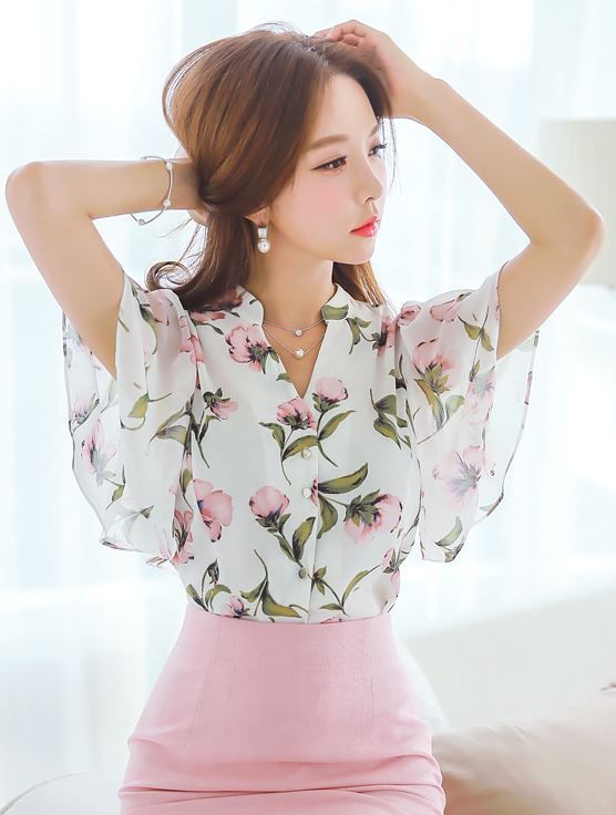 Floral Print Flared Sleeve Chiffon Blouse