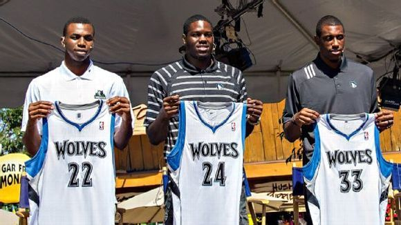 T-Wolves introduce Wiggins, Bennett, Young