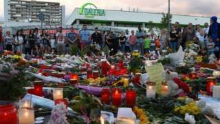 Munich shootings: Police arrest 16-year-old Afghan - BBC News