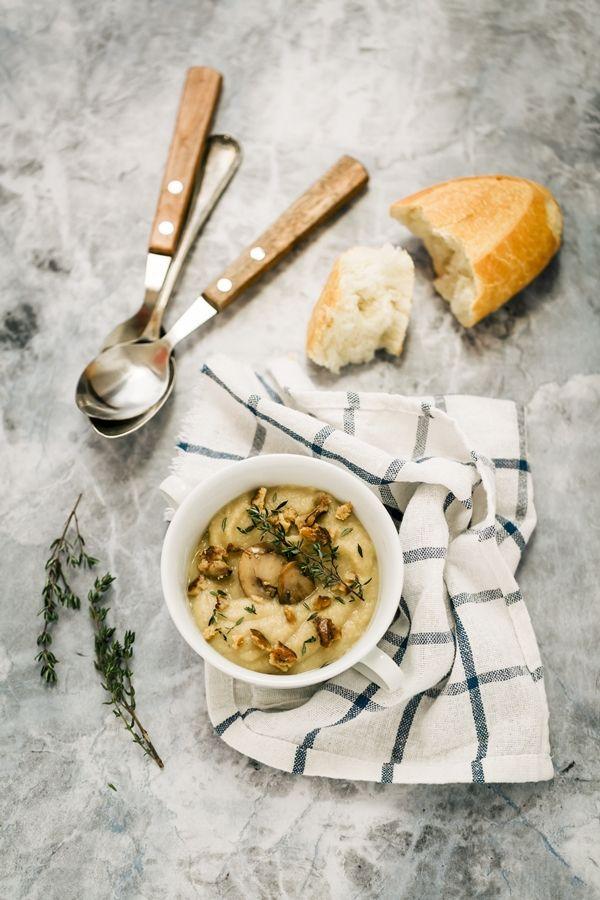 Zuppa di sedano rapa, funghi e mele