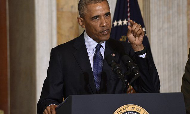 Furious Obama slams Trump for attacking Muslims