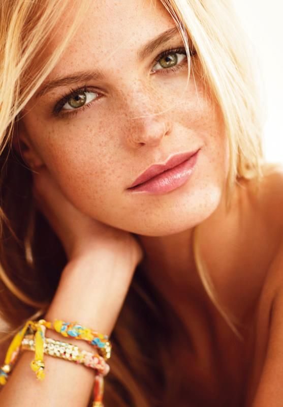 Erin Heatherton (Victoria's Secret) by Russell James ...