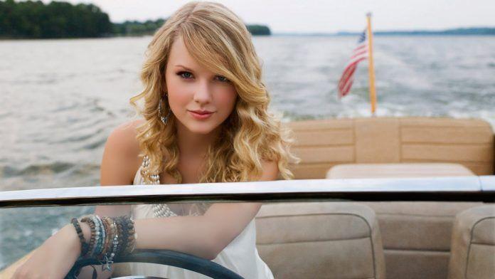 Taylor Swift in Yacht - HD Wallpapers - Free Wallpapers - Desktop Backgrounds