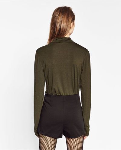 Image 4 of HIGH WAISTED SHORTS from Zara