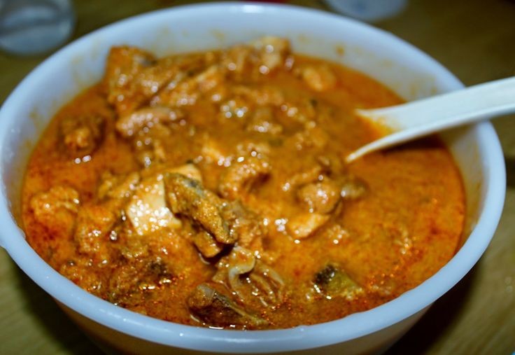 Savispassions: Chicken in Coconut Gravy