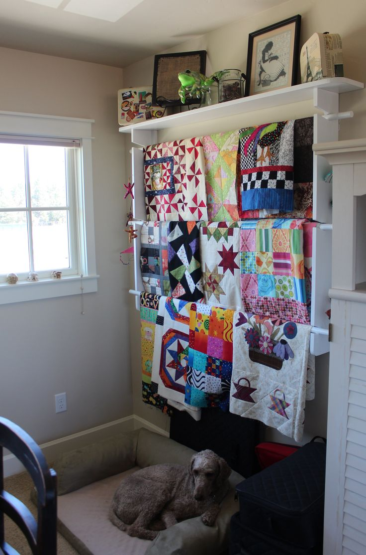 Quilt Hanger With Shelf For Walls Woodworking Projects