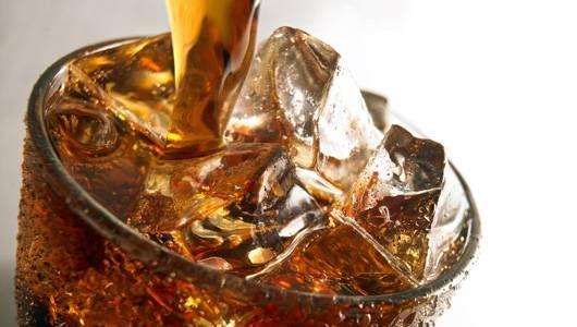 Вода или газирани пијалоци за горештините кои следуваат | Здравје и Убавина