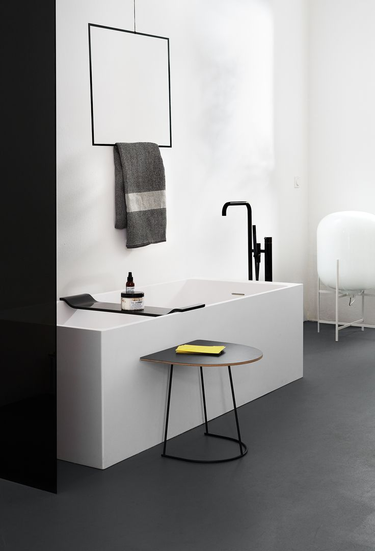 Axis bath by #notonlywhite | photography: Anne Deppe | styling: Nici Theuerkauf