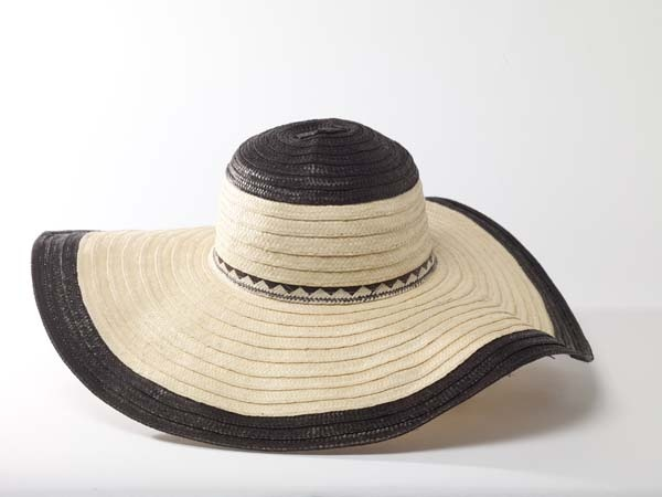 Diva Hat  SS 2013  Oversized flappy hat.  Cana flecha handcrafted hat.  FAVORITE SUMMER HAT!!www.CordoBags.com