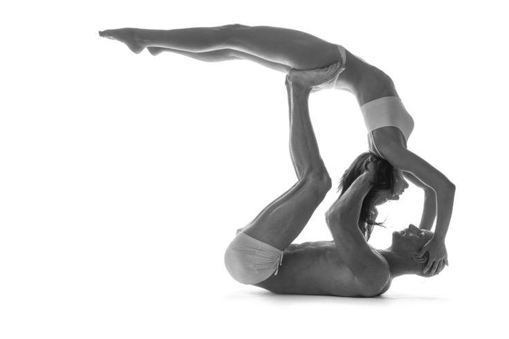 #colifeyogaman - Homme, Femme, un concept qui n'existe pas. Messieurs le Yoga vous apprendra à être plus homme, à développer votre énergie féminine, de même que les femmes elles développe leur énergie masculine. Chacun se trouve soi, puis nous nous trouvons ensemble. http://www.colife.ch