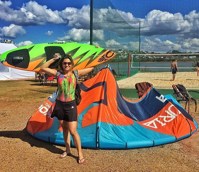 From supyogaTemporada de Kite Surf ! Que venha muito vento! ✌️ #supyogabrasil #kitesurf #surfspirit #supgirl #fitgil #adventure_culture #puravida #fit #mtc #lifeapp #adventure #sports #watersports #takoonkiteboarding #lagoadosingleses #kitesurfingworthing #minasnautico #boardsports #aloha #cabrinha…