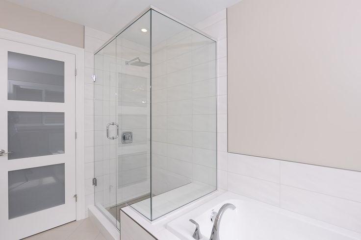En-suite Ceramic & Glass Shower #newhome #design #ensuite #modern
