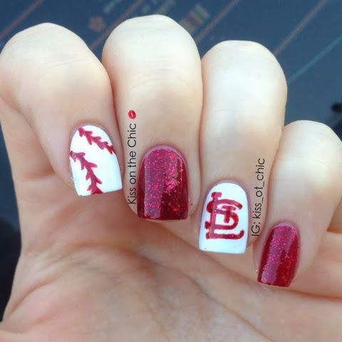 Kiss on the Chic: St. Louis Cardinals!