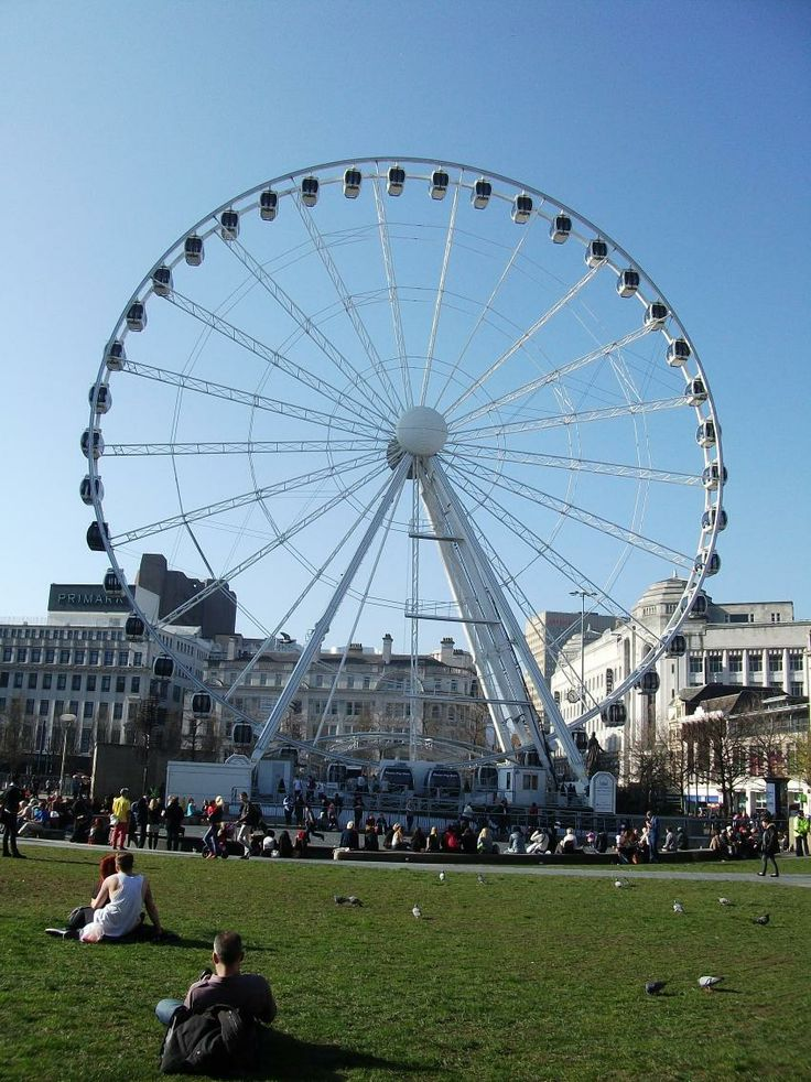 Wheel of Manchester & Piccadilly Gardens