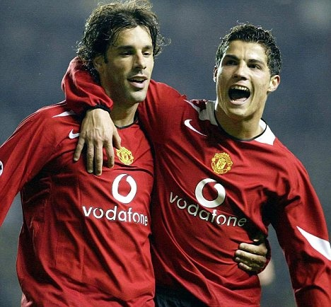 Van Nistelrooy and Ronaldo. www.pyrotherm.gr FIRE PROTECTION ΠΥΡΟΣΒΕΣΤΙΚΑ 36 ΧΡΟΝΙΑ ΠΥΡΟΣΒΕΣΤΙΚΑ 36 YEARS IN FIRE PROTECTION FIRE - SECURITY ENGINEERS & CONTRACTORS REFILLING - SERVICE - SALE OF FIRE EXTINGUISHERS www.pyrotherm.g
