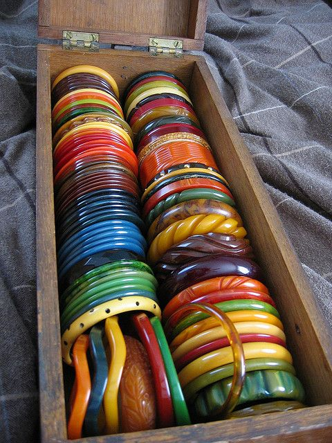 This pic of Bakelite was collected by a person named @onesweetpeach, she says she found them one by one at flea markets, thrift shops,  etc. Impressive.
