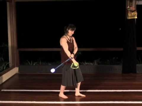 Learning how to do this... lots of fun! Beginner Poi Spinning Tutorial: Forward 3-Beat Weave