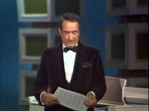 Victor Borge plays the piano-- this is so hilarious. Skip the junk until 1:58.