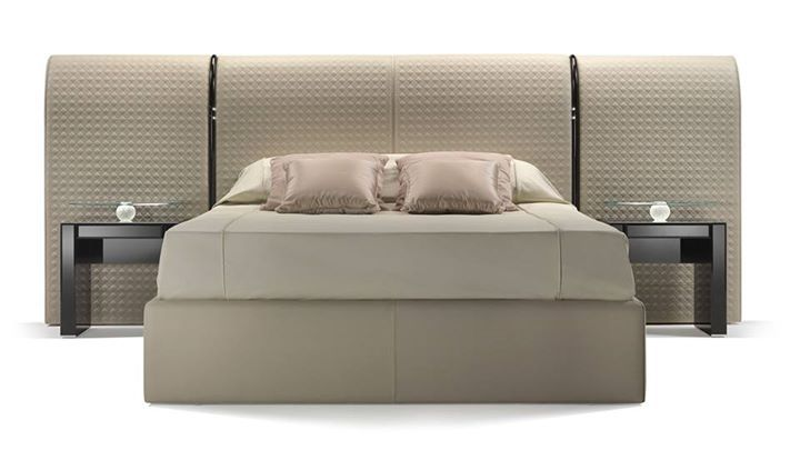 REFLEX ANGELO: SAN MARCO LETTO  Bed with padded headboard and base, upholstered in velvet or in ... https://www.davincilifestyle.com/reflex-angelo-san-marco-lettobed-with-padded-headboard-and-base-upholstered-in-velvet-or-in/   SAN MARCO LETTO Bed with padded headboard and base, upholstered in velvet or in leather. Headboard with San Marco quilting. XL version with long headboard with junctions in shiny black lacquered wood and optional LED reading lights. Bench with storag