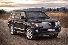 2012 Toyota Land Cruiser V8 introduced