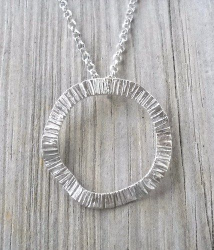 Hammered 925 Sterling Silver Waving Circle Pendant Necklace  925 Sterling Silver Waving Circle Pendant Diameter:28mm Weight:2.5 grams  925 Sterling Silver Necklace 40,45,50cm long  Handmade,Brand new