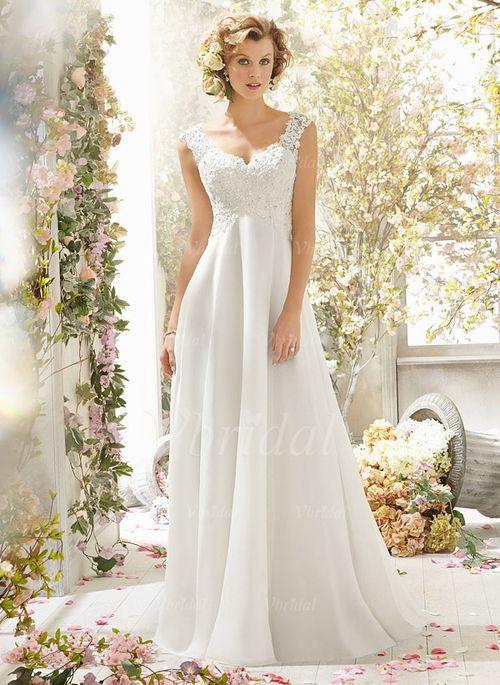 New modern wedding dresses: Chiffon wedding dress train