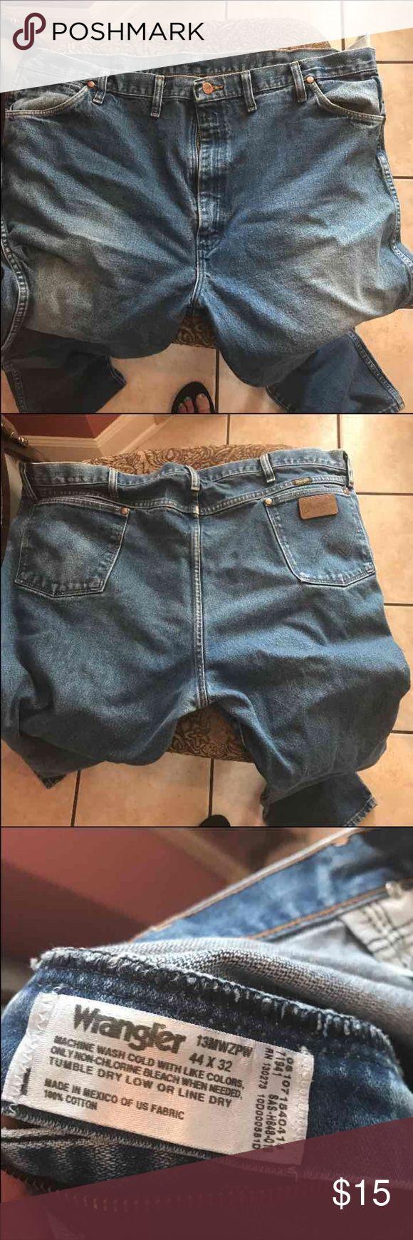 Wrangler jeans Gently used Wrangler Jeans Straight