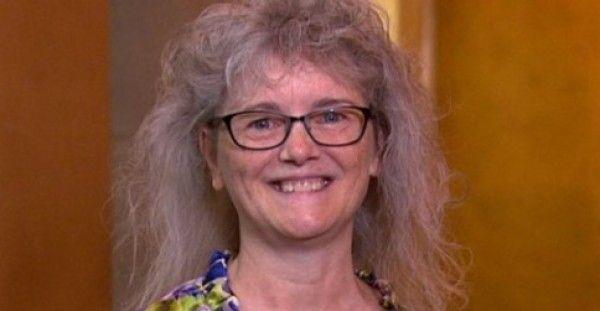 Την Πήραν για μια Ριζική Μεταμόρφωση για τα 60α της Γενέθλια. Πως Φαίνεται Μετά