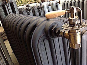 17 meilleures id es propos de radiateur fonte sur pinterest radiateur en - Radiateur ancien en fonte ...