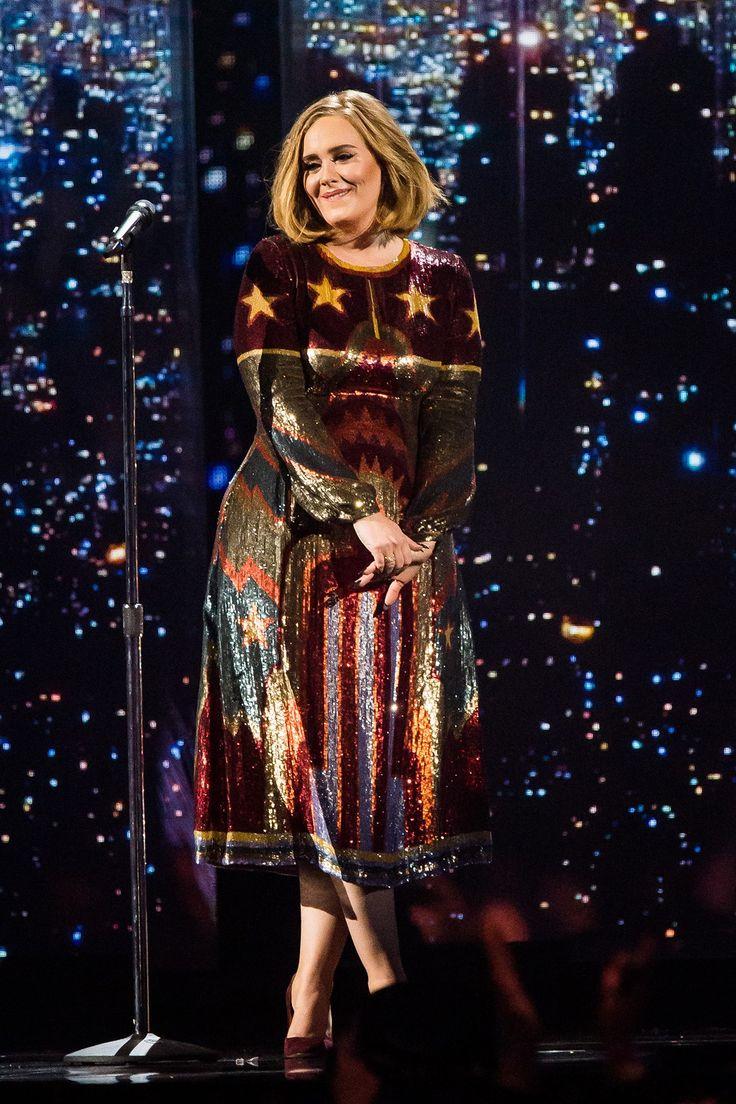 Adele, de Burberry. #paetês #estilo