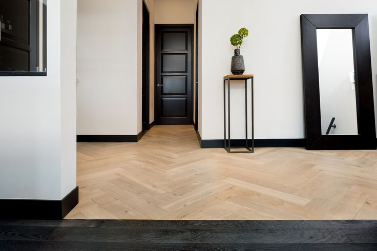 Hakwood flooring – European Oak – Sierra Collection – Muse and Grimm – Canal view apartment – Amsterdam, the Netherlands
