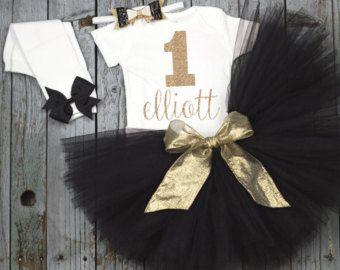 Oro y rosa de chica de bebé personalizados por OnesiesForElliott