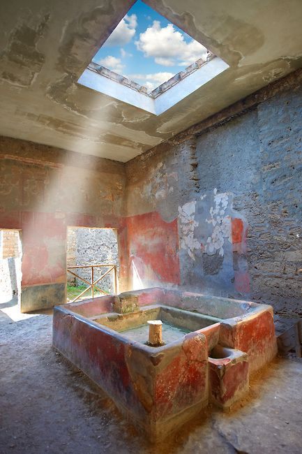 Pompeii: Fullery of Stephanus on the Via del Abbondante. Fulleries were an important business: fullers processed/ dyed/ washed cloth