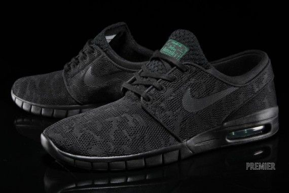Nike Janoski Max Black
