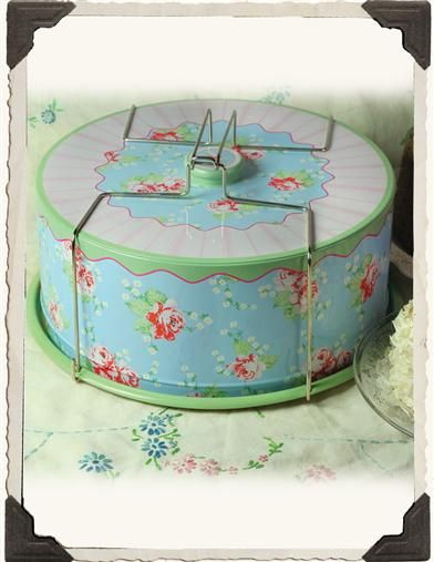 NOSTALGIC CAKE CARRIER  a must have....I remember the one from my childhood