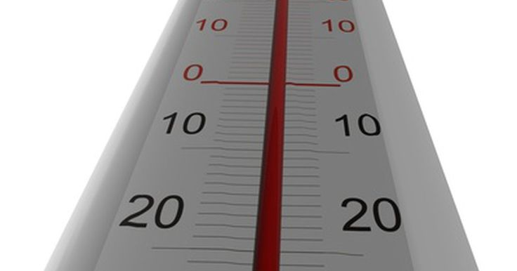Comparações entre termômetro de mercúrio e de álcool. Os termômetros são projetados para medir temperaturas dentro dos padrões específicos para diversos fins. Para uso doméstico, as aplicações mais comuns são para cozinhar, monitoramento da temperatura corporal e do ambiente interno e externo. Historicamente, os termômetros de mercúrio foram utilizados para quase todas as medições de temperatura por ...