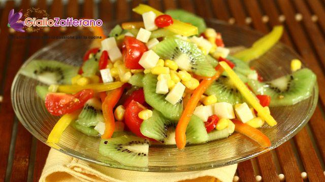 Kiwi-veggies salad - looks delicious!