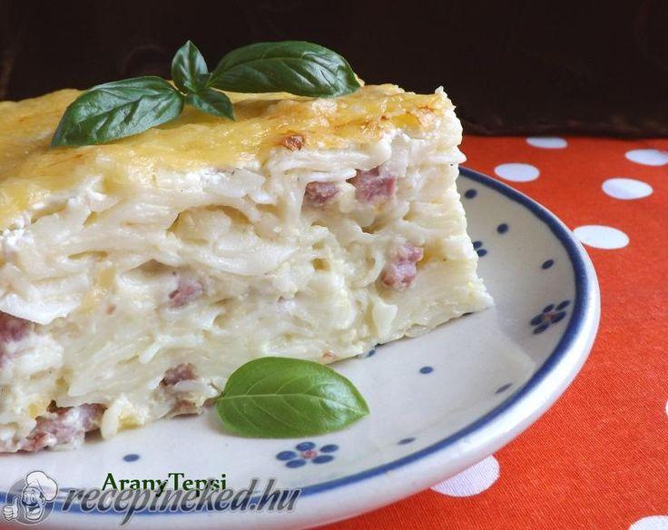 A legjobb Tarjás-sajtos fodros kocka tepsiben sütve recept fotóval egyenesen a Receptneked.hu gyűjteményéből. Küldte: aranytepsi