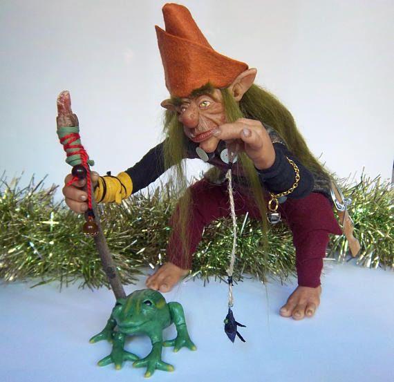 Folgor Duende cazador de ranas / Muñeco de arte Ooak duende