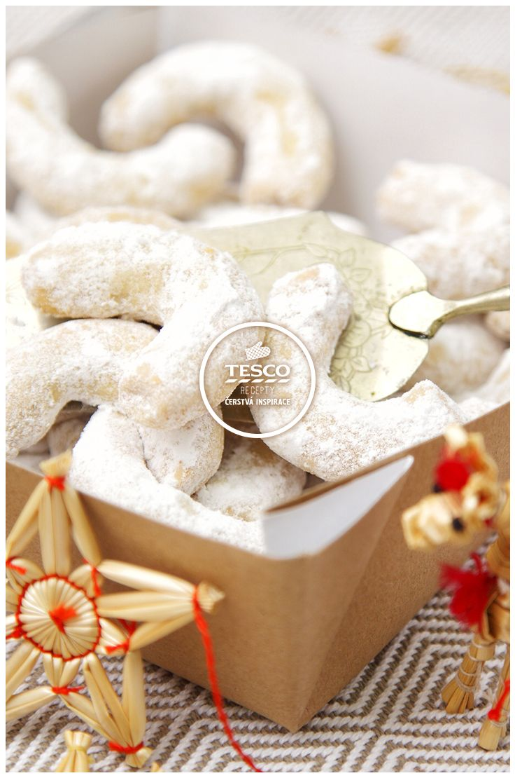 Vanilkové rohlíčky  http://www.tescorecepty.cz/recepty/detail/235-vanilkove-rohlicky