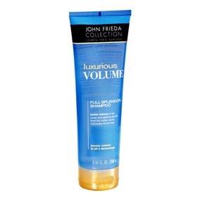 JOHN FRIEDA Luxurious Volume Thickening Shampoo Shampoo con tecnología patentada full splendor compuesta por ingredientes que penetran en la fibra capilar, reparando las zonas dañadas, rellenando los poros que causan la pérdida de densidad en el cabello, dando volumen y movilidad.